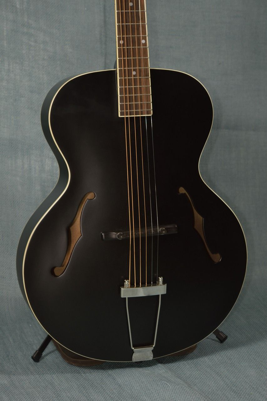 The Loar LH 300 BKM Archtop Acoustic Guitar