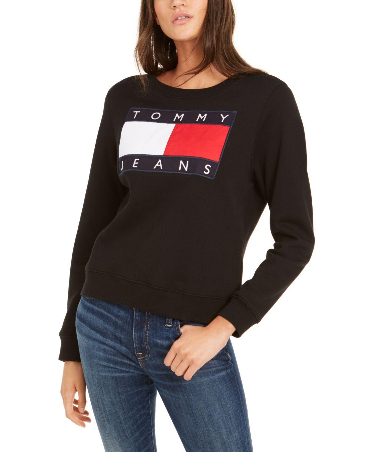 Tommy Jeans Flag Sweatshirt Black In 2021 Jeans Logo Sweatshirts Crew Neck Sweatshirt [ 1466 x 1200 Pixel ]