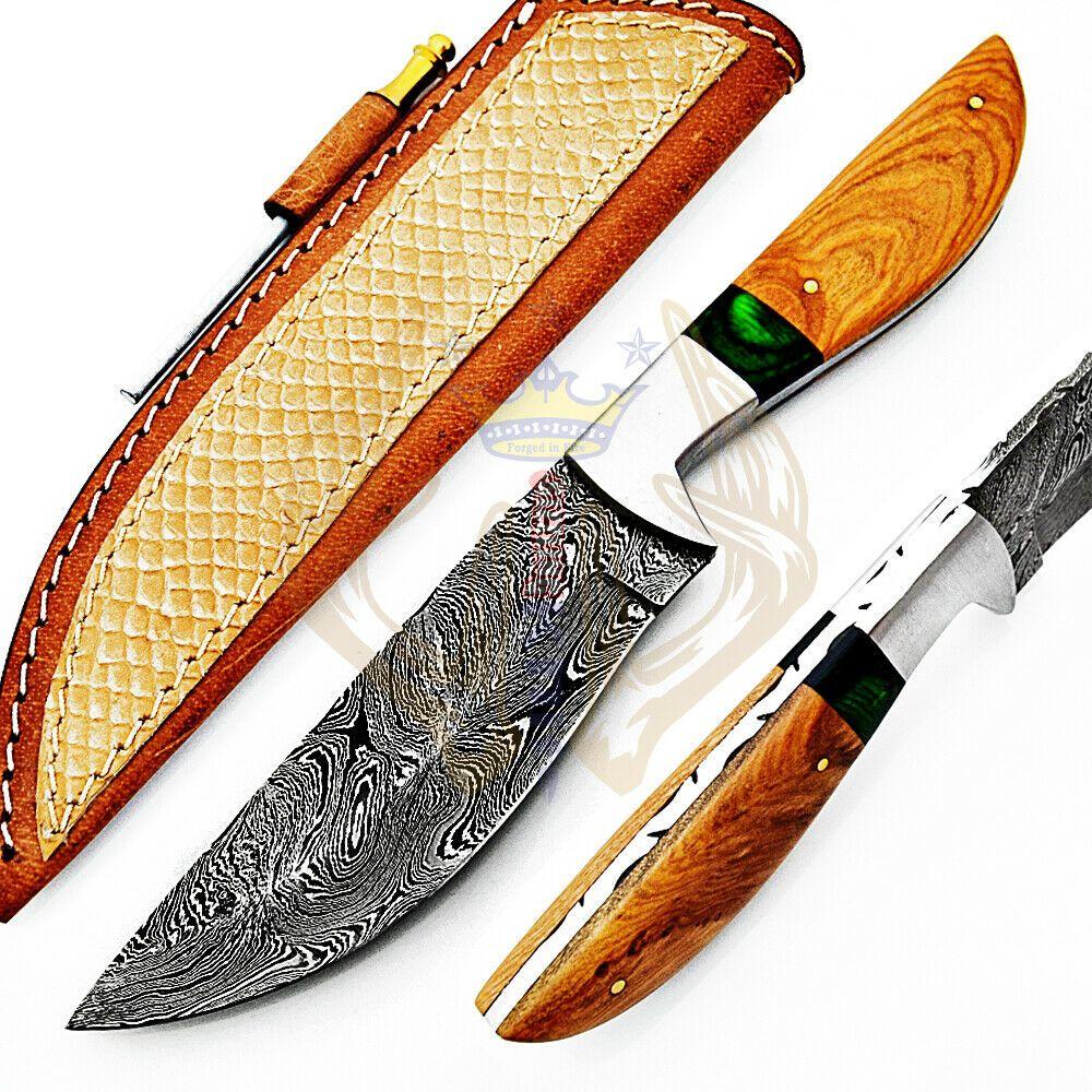 Beautiful hand made damascus steel hunting knife handle