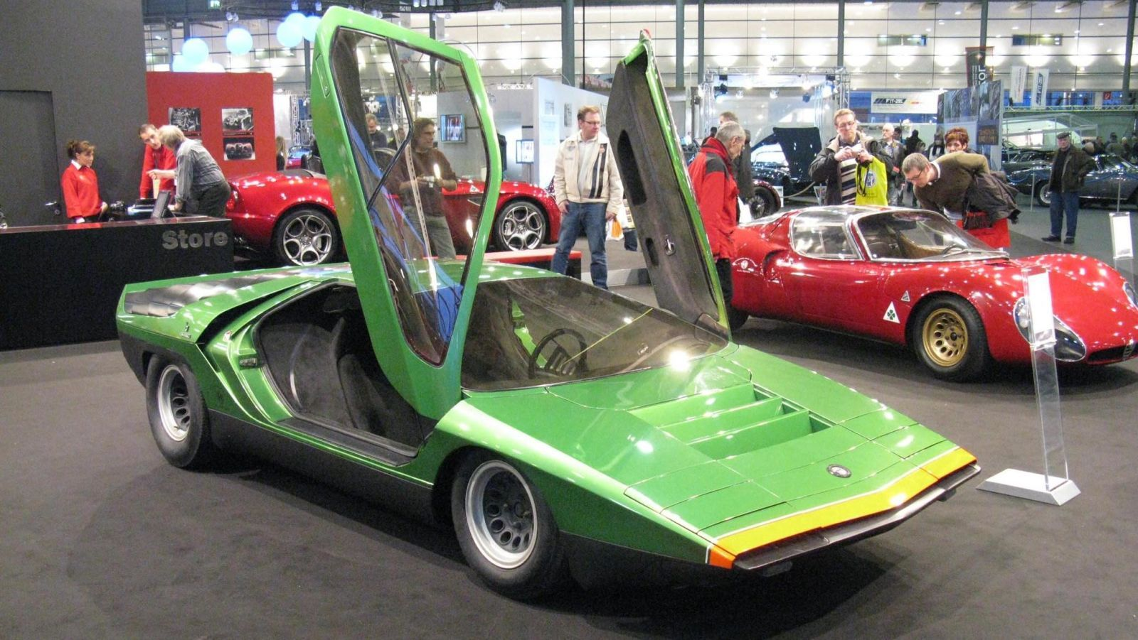 The Best Looking Car Shape Is The Wedge In 2020 Concept Cars Classic Cars Alfa Romeo