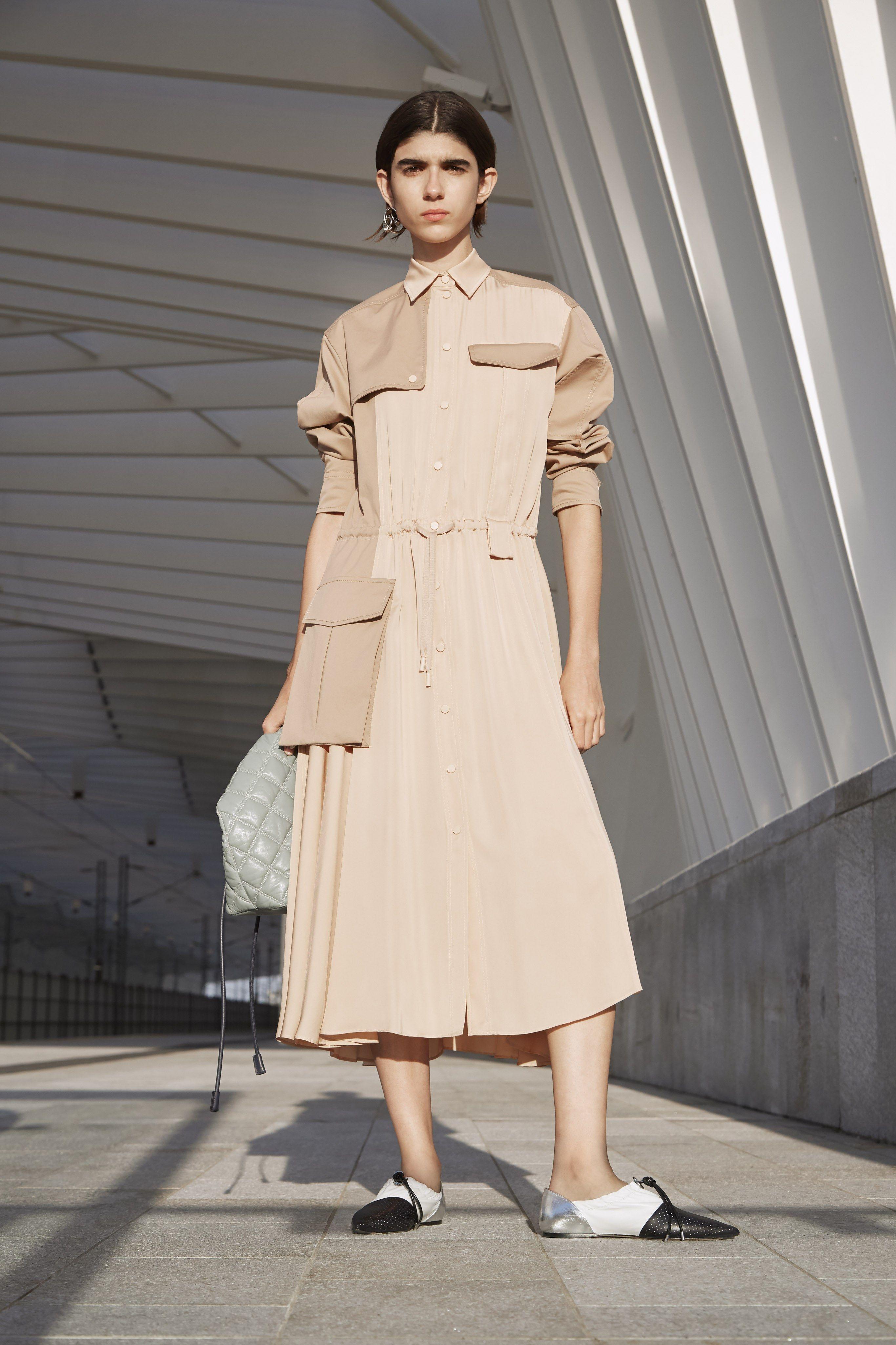 Fashion week Resort sportmax runway for lady