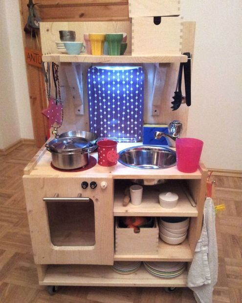 Noch eine Kinderküche Upcycling - folie für küchenfront