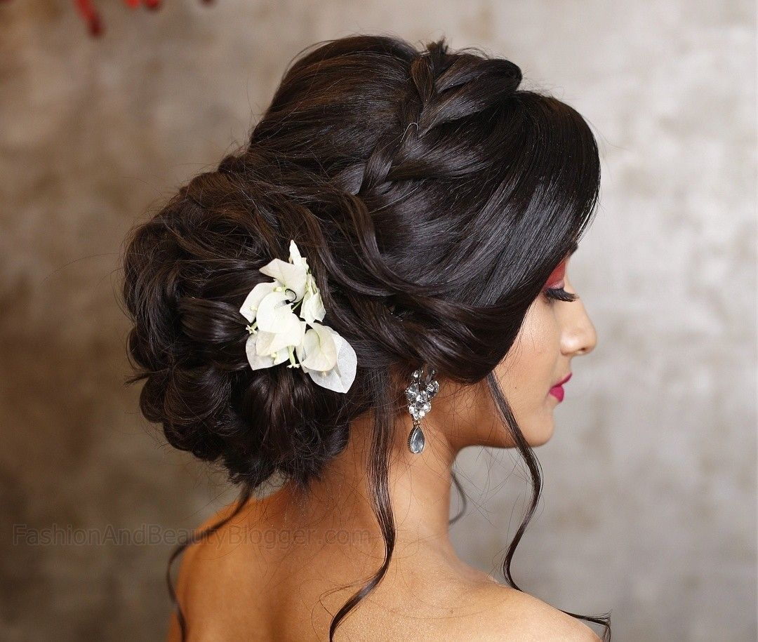Indian Wedding Bun Hairstyle Pictures For To Be Brides Hesheandbaby Com Indian Bun Hairstyles Bridal Hairstyle Indian Wedding Bun Hairstyles For Long Hair