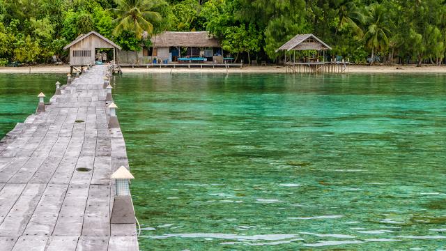 Pier Dive Station Kri Island Clound
