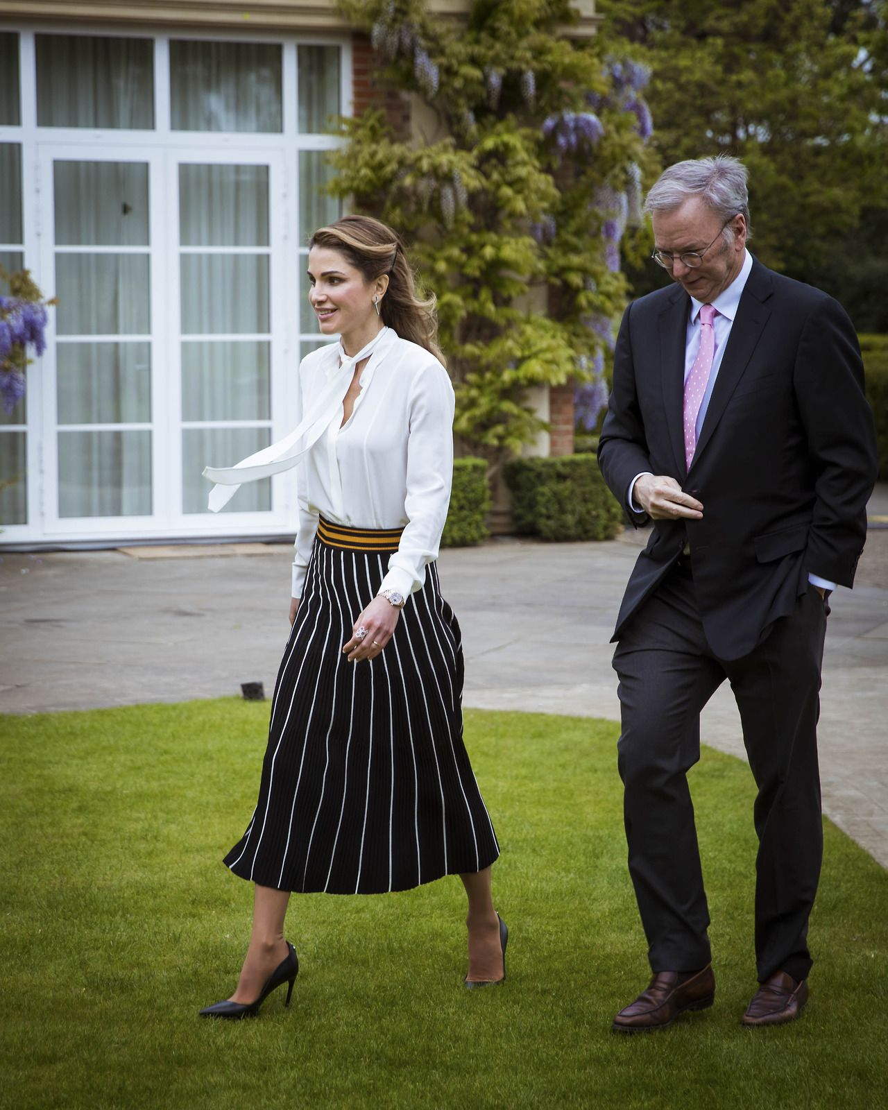 9 May 2017 - Queen Rania attends Google Zeitgeist panel in Hertfordshire - skirt by Roksanda, shoes by Dior, bag by Louis Vuitton