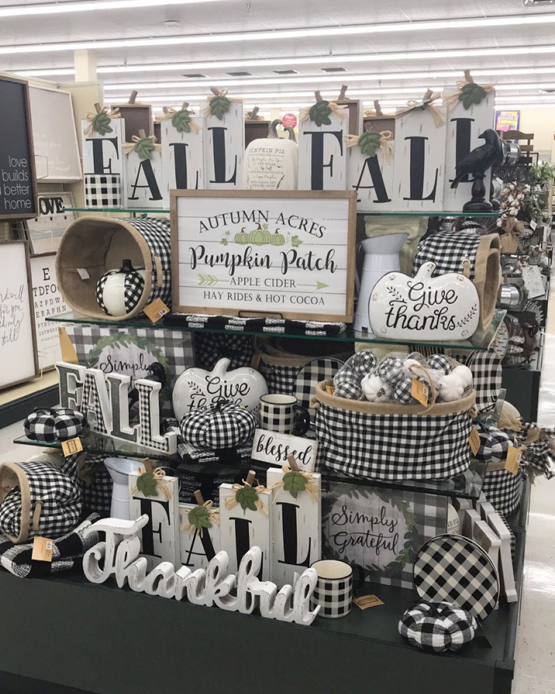 2020 Halloween Decor Hobby Lobby These Hobby Lobby Halloween Decorations Will Make You Howl With