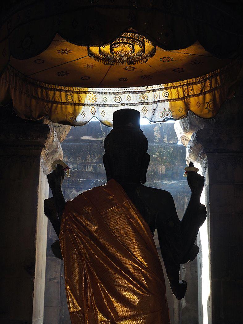 Angkor, wat, temple, bayon, ta phron, siem reap, visit, tourist, bicycle