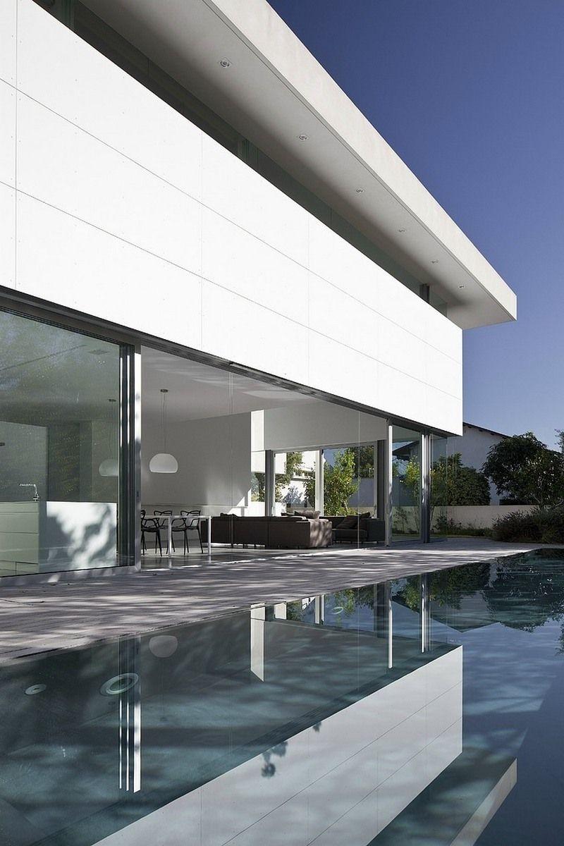 Weißer als Schnee: Ultra-modernes Haus mit hellem und geräumigem ...