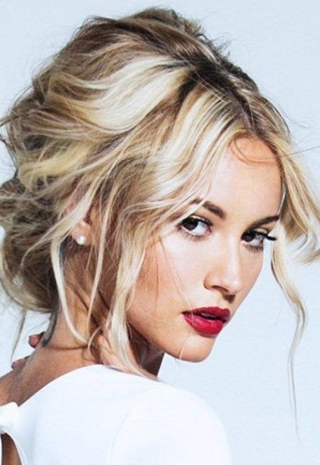 messy updo hairstyle | Hair | Pinterest | Messy hairstyles ...