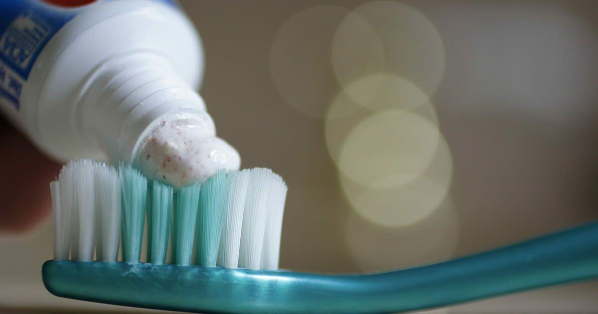 Zahnpasta Tut Nicht Nur Zahnen Gut Diese 20 Tricks Werden Ihnen Das Leben Erleichtern Tandpasta Ideer Tips