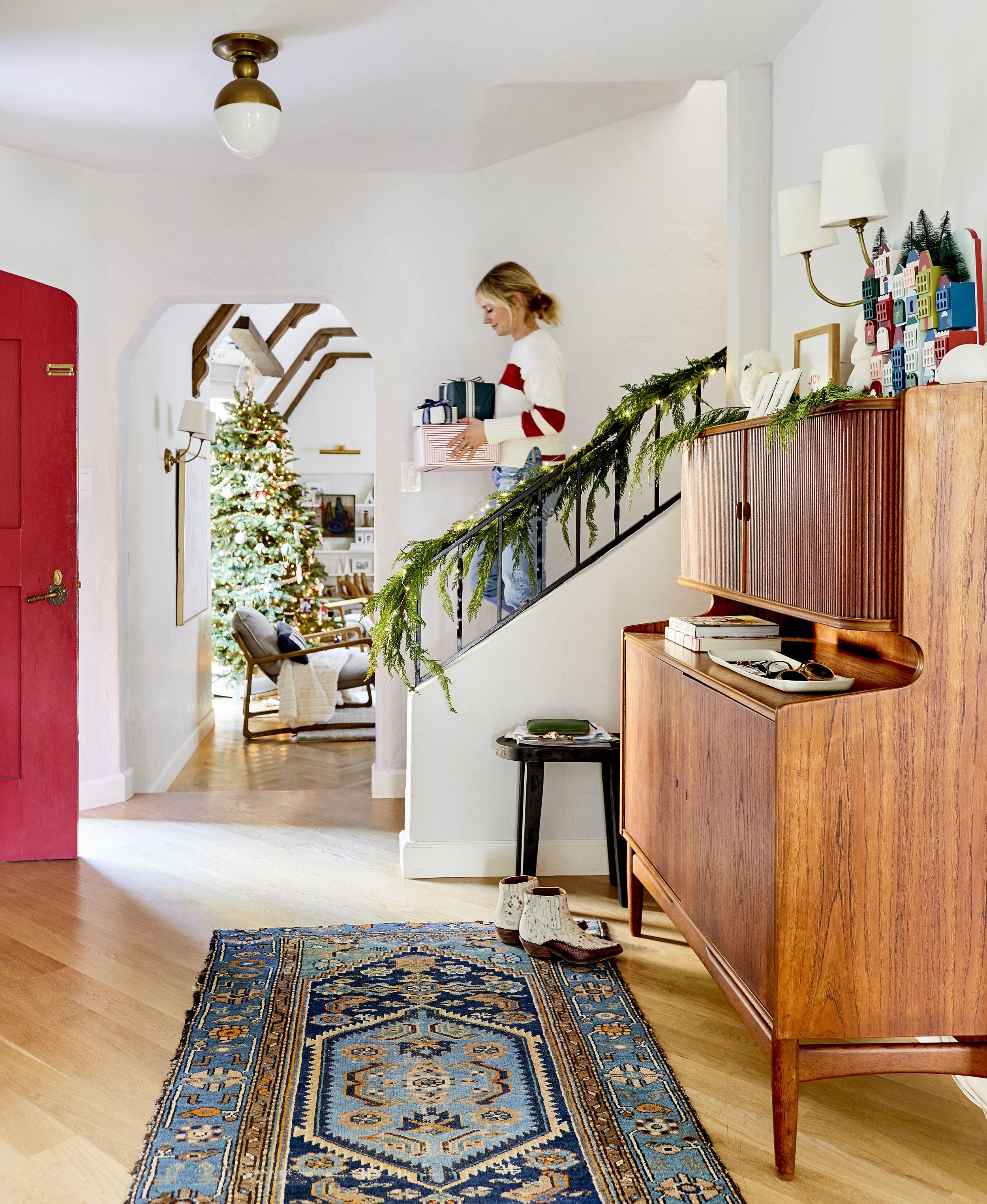 Hgtv Home Design Ideas: Holiday Decorating Hacks From HGTV Interior Designer Emily