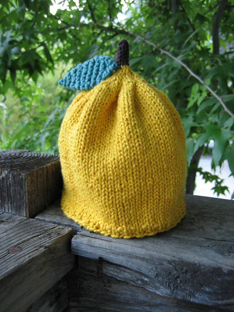 cute variation on the apple hat | Baby hats knitting ...