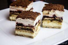 3 bit ciasto bez pieczenia z herbatników, masy budyniowej, kajmakowej oraz bitej śmietany.