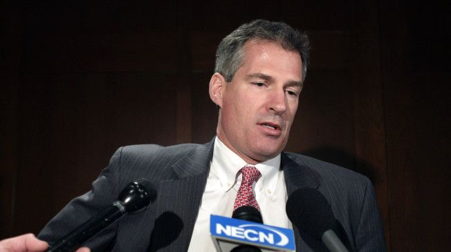 """Eager to shed his identity as a former senator from Massachusetts, Scott Brown's campaign is now apparently deriding his opponent as the """"third senator from Massachusetts."""""""