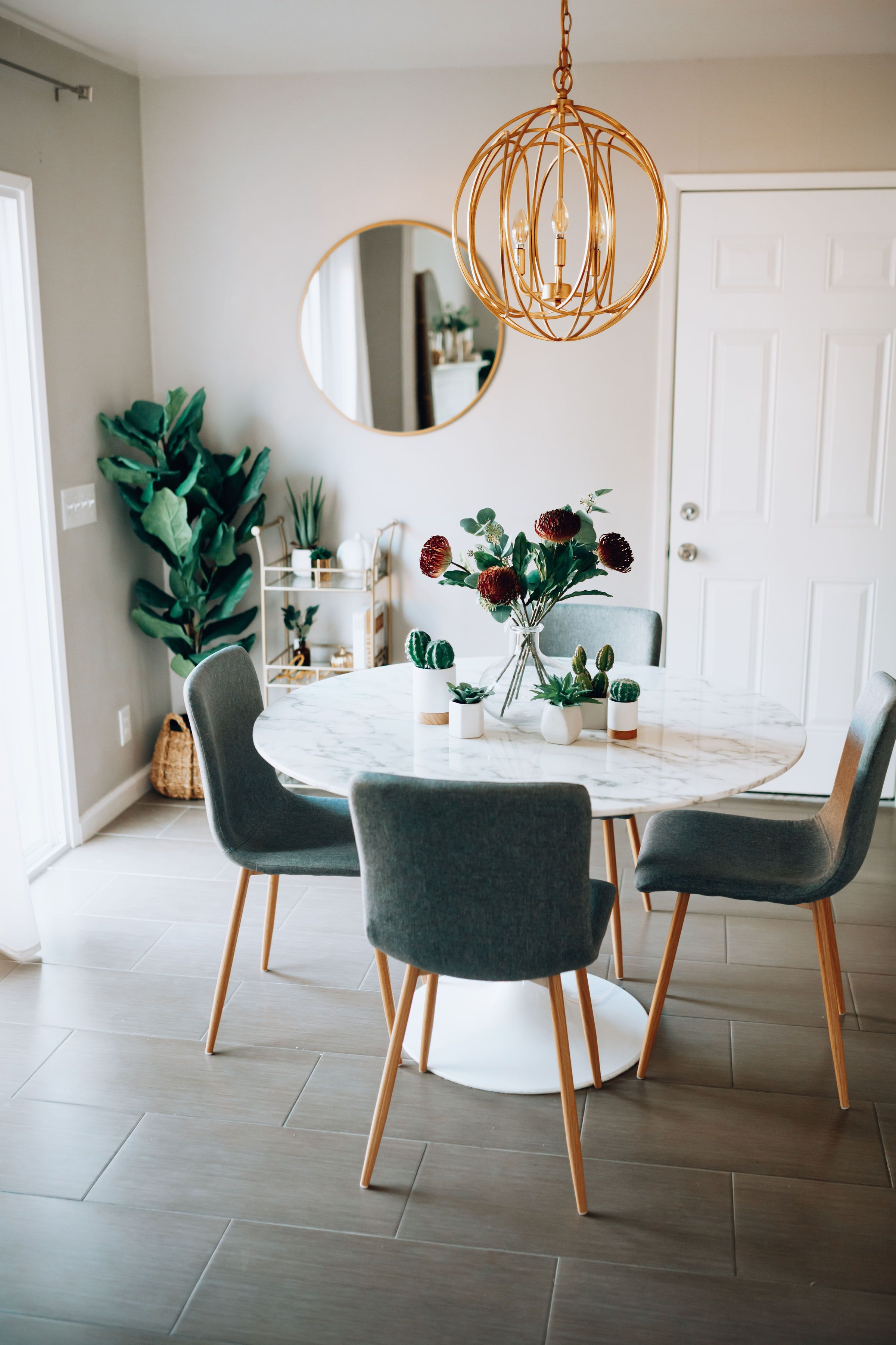 One Dining Table Two Ways For The Love Blogger Home Decor Dining Room Table Kitchen Faux Marble Dining Table Dining Table Marble White Dining Table