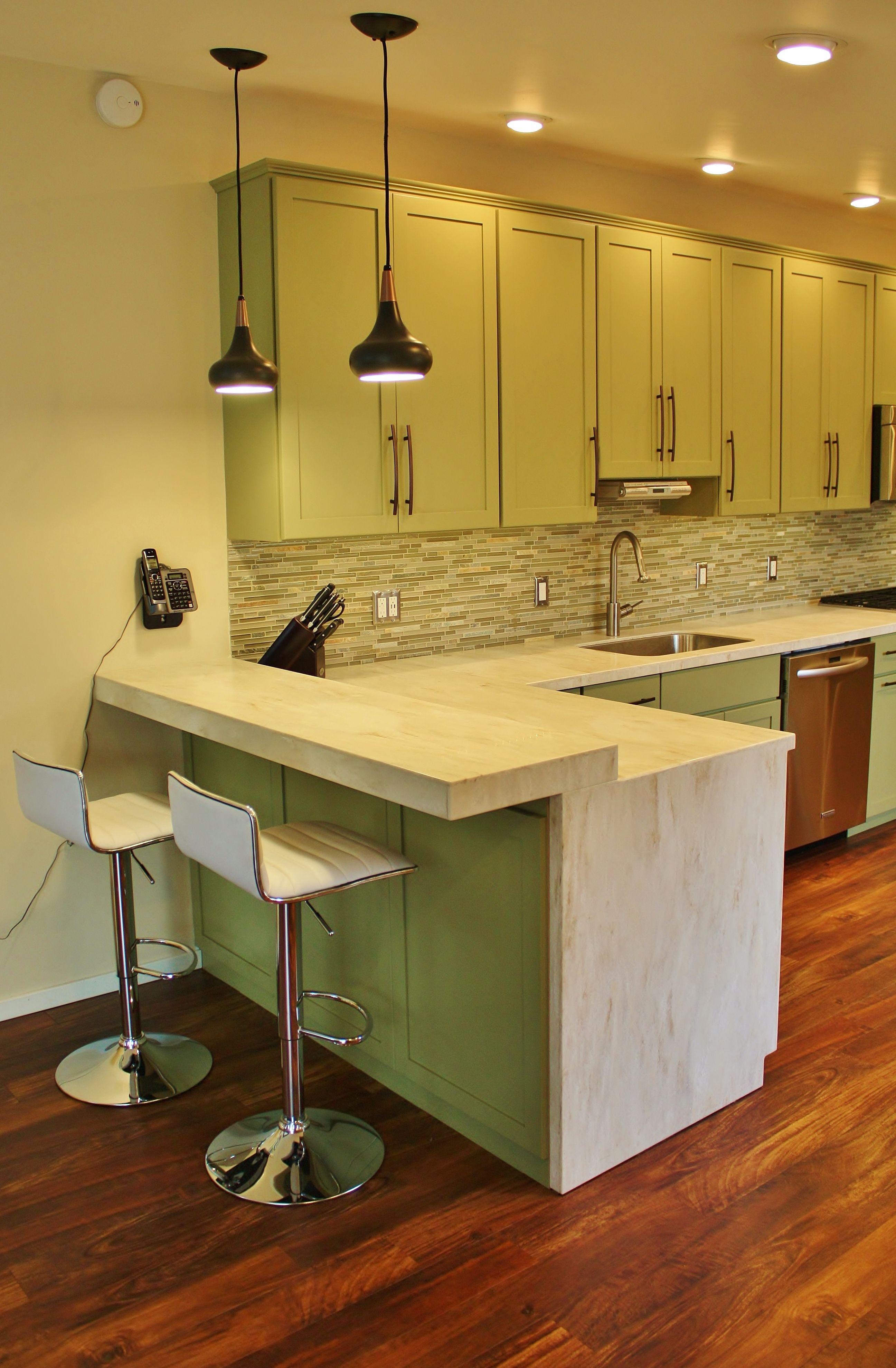 Holiday Kitchens Seattle Shaker Cabinets Corian Solid Surface Countertops Kosher Kitchen Glass Doors Wi Kosher Kitchen Waterfall Countertop Holiday Kitchen