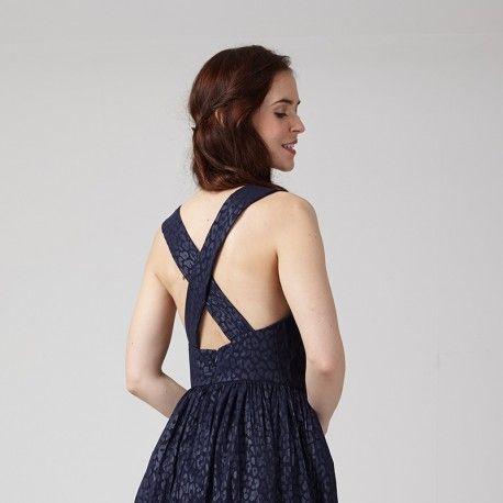 e5117d5570c28 Patron de la robe dos nu Amandine par Coralie Bijasson, robe bretelles  croisées, jupe courte plissée