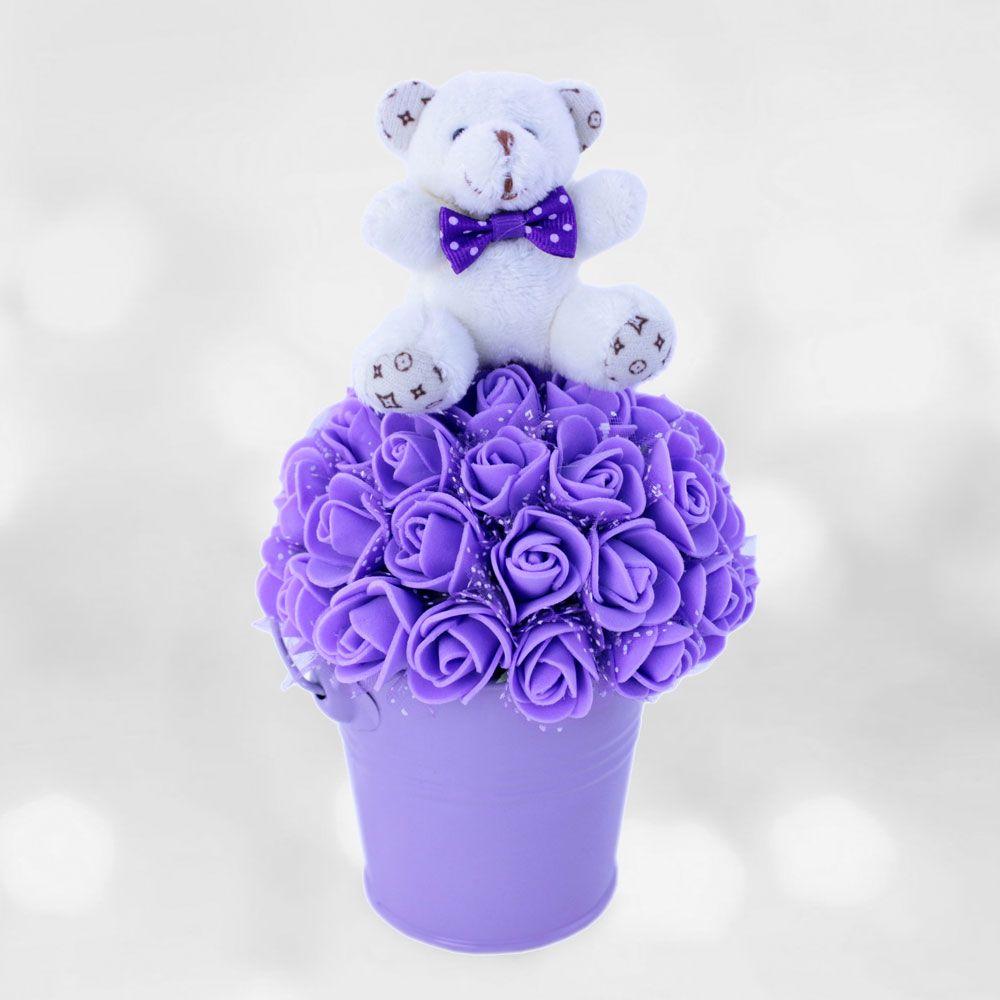 Geçmiş Olsun Mor çiçek.  Sevdiklerinize, hasta yatağında birazda olsa moral vermek istemez misiniz ? Bu sevimli kova sevdiklerinizin başucu dekoru olacaktır.