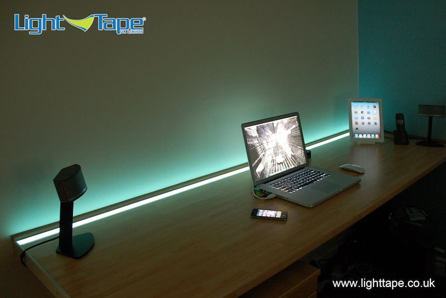 Desk%20with%20Apple%20Mac%20Book%20Pro%20iPad2%20iPhone%20Light%20Tape.jpg