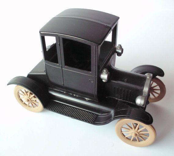 Vintage 1917 Ford Model T Model Car Kit By Revell 1952 Etsy Model Cars Kits Model T Kit Cars