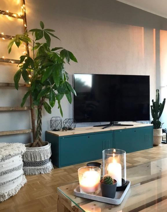 Ein bisschen Boho schadet nie! #boho #pflanzen #pouf TV-Möbel