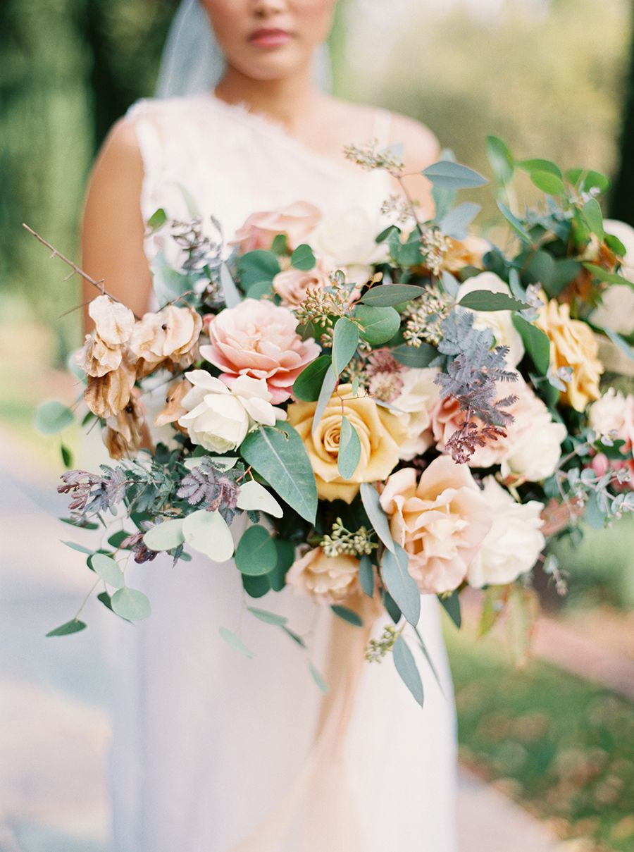 Photography : Sally Pinera Read More on SMP: http://www.stylemepretty.com/2016/04/06/spring-garden-wedding-with-a-fashion-forward-twist/