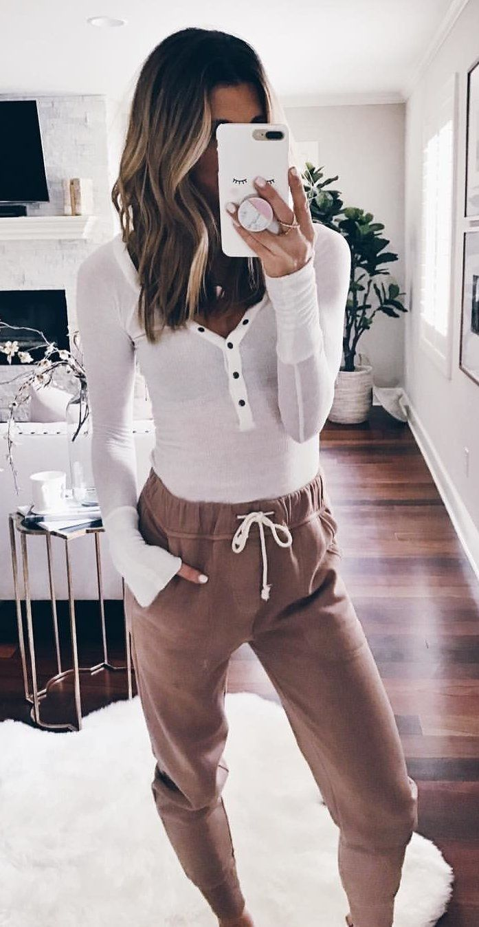 Over 40 magical outfit ideas that stylishly complement this winter Fashion Athleisure Outfits complement fashion Ideas Magical Outfit stylishly winter