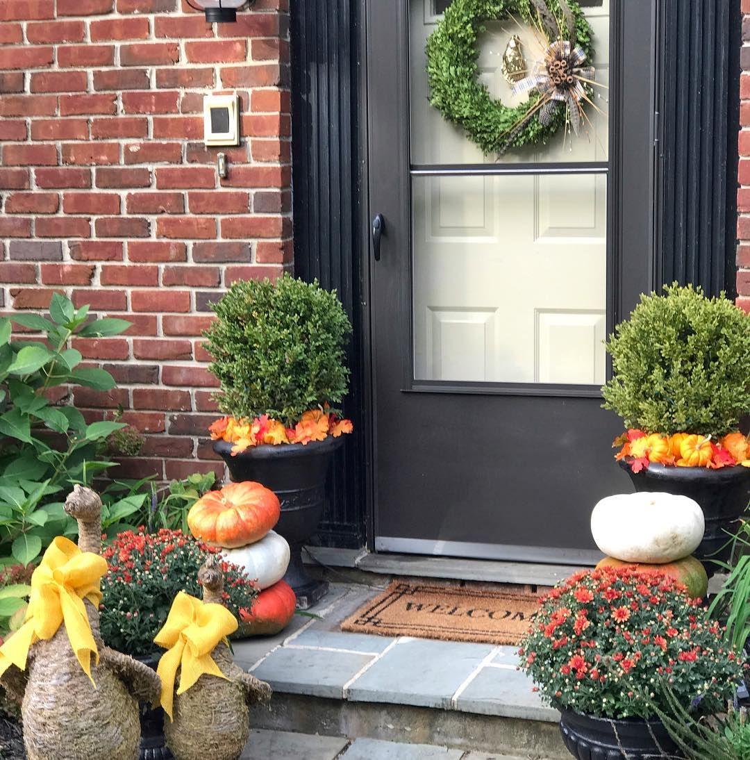 Front door decor autumn by pippa goetz whatpippawantspippagoetz