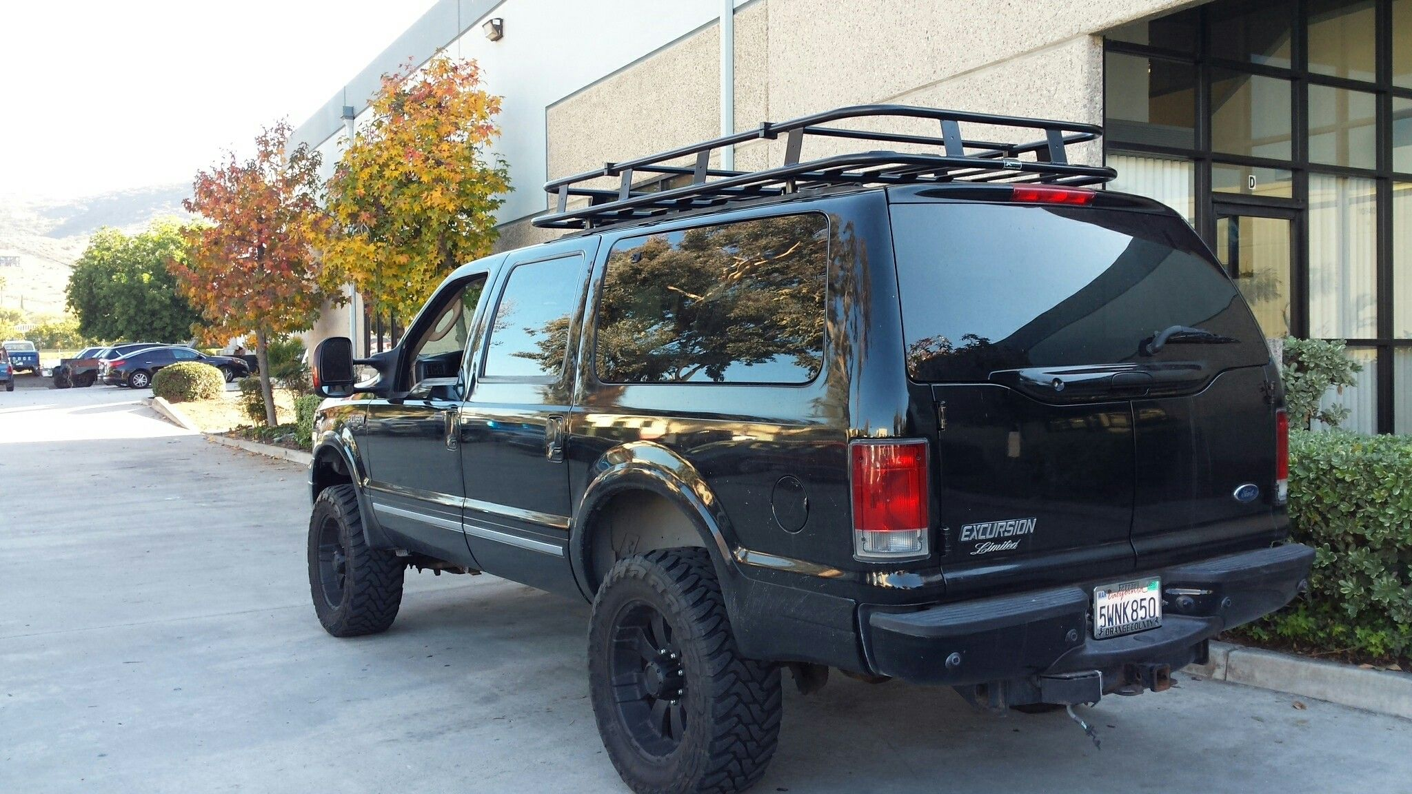 Ford Excursion With Aluminess Roof Rack Ford Excursion Expedition Vehicle Excursions