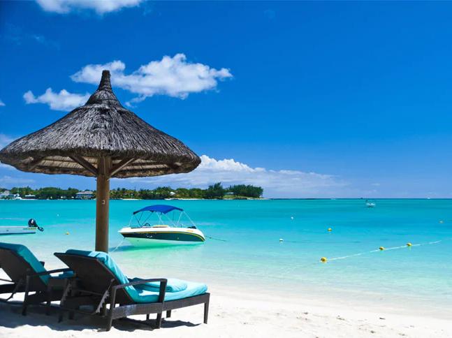 Plan Your Honeymoon With Veena World Amazing Travel Packages Mauritius Beach Honeymoon Tour Honeymoon Tour Packages