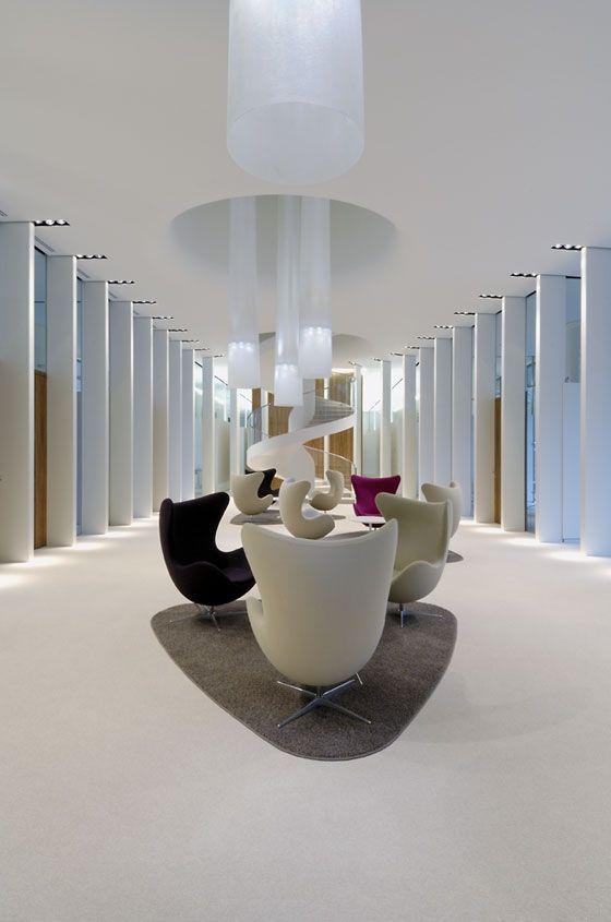Private Banking Zentrale In Frankfurt By Wittfoht Architekten Office Facilities Modern Office Design Office Interior Design Modern Interior Design