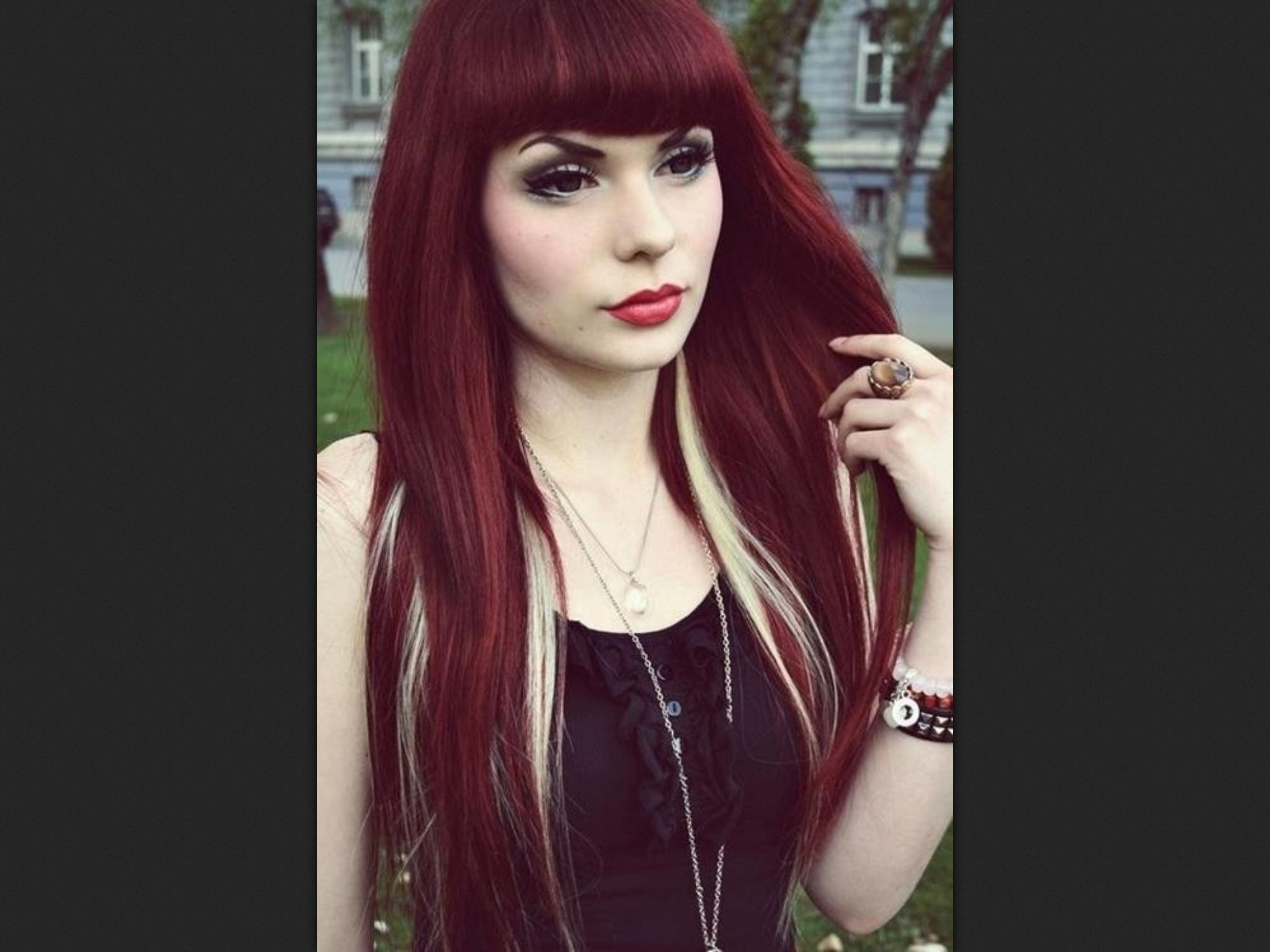 Dark Red Hair Blonde Highlights Love This Color Combo