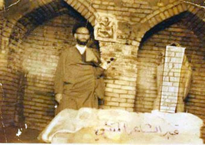 قبر الشاعر المتنبي في قضاء النعمانية البغيلة في خمسينيات القرن الماضي Baghdad Iraq Baghdad Iraq