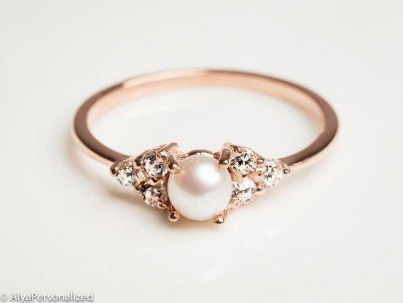 Eine Zierliche Rose Gold Perle Verlobungsring Mit Echten Diamanten