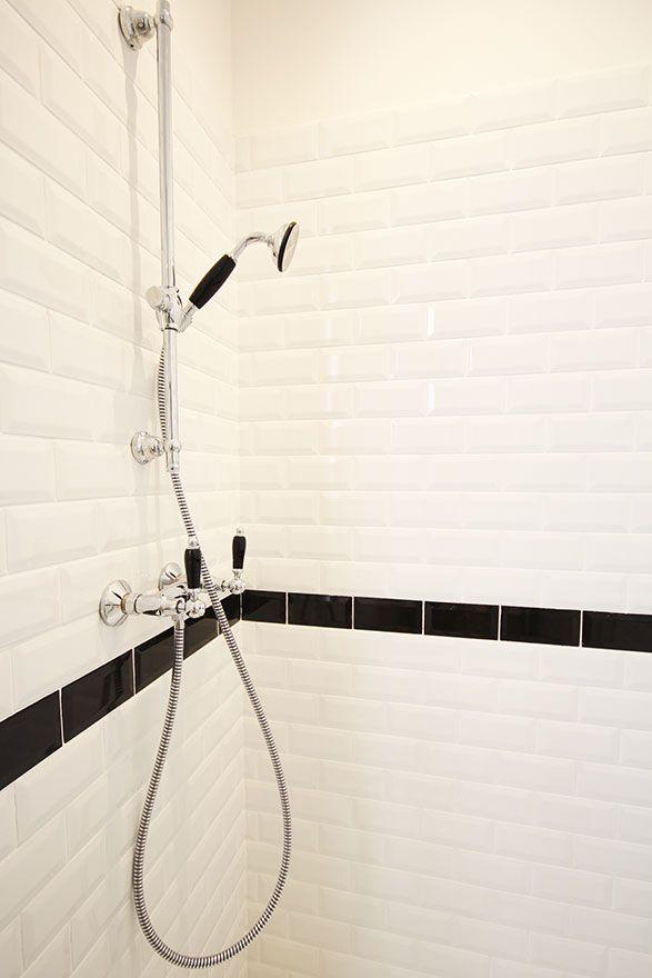 Salle de bain retro - Atelier Joseph - Carrelage métro Baignoires