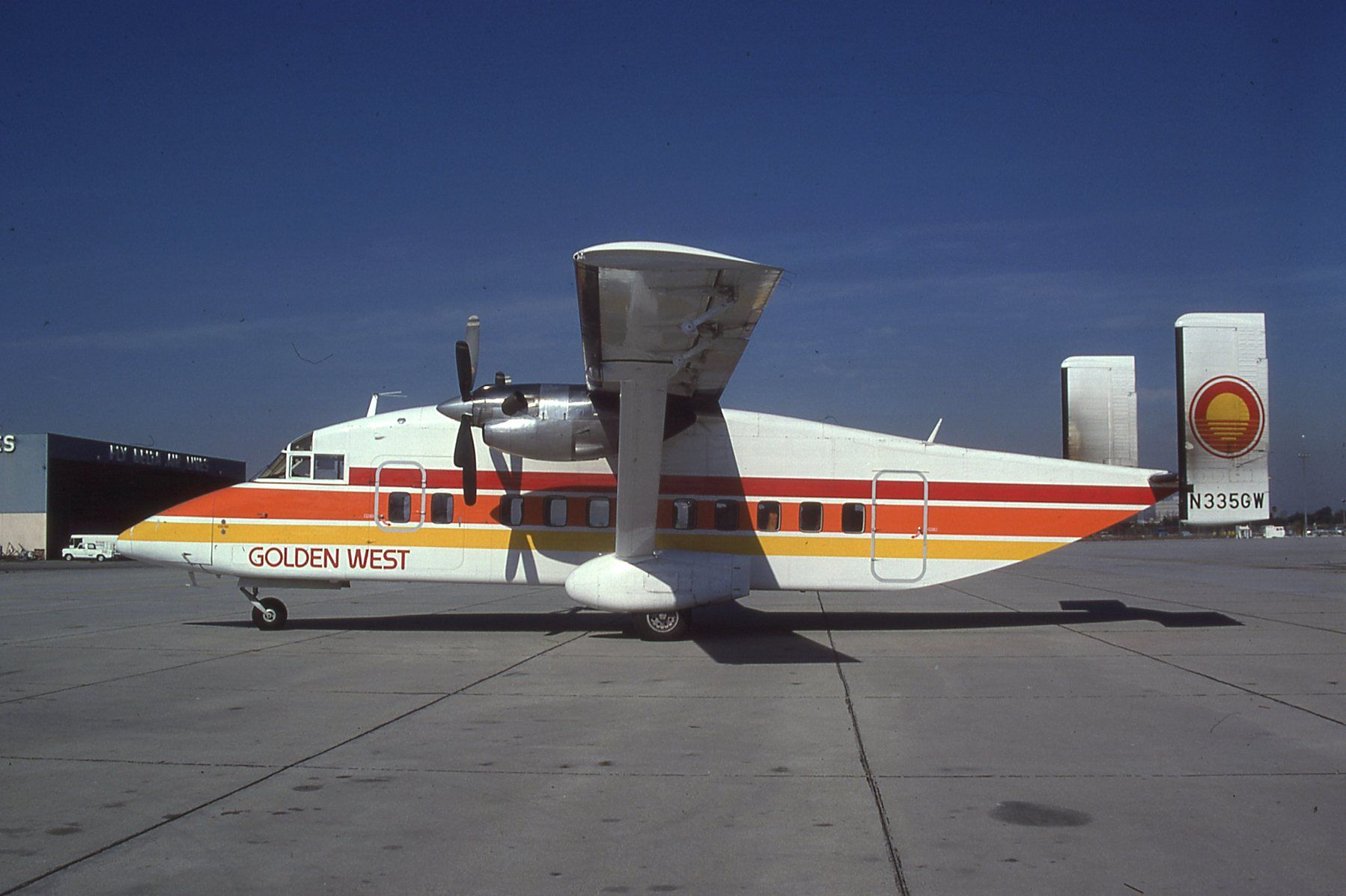 Golden West Airlines, Short Bros SD330, 1982 Air and