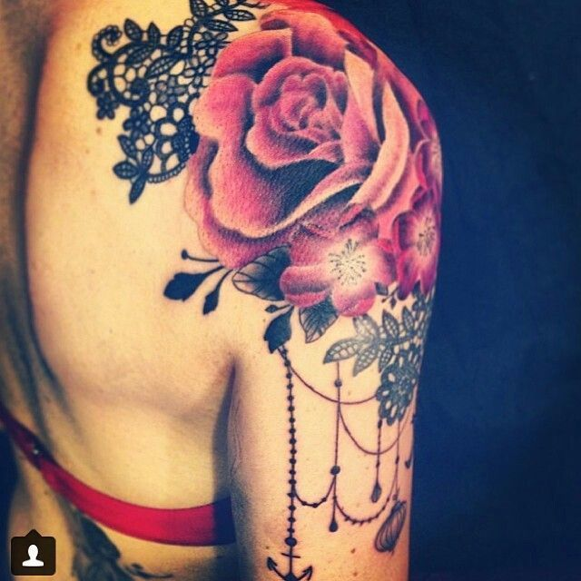 Shoulder Tattoo With Red Rose Lace Tattoo Shoulder Tattoo Rose Shoulder Tattoo