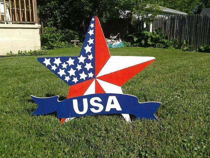 Homemade 4th of July lawn and garden sign
