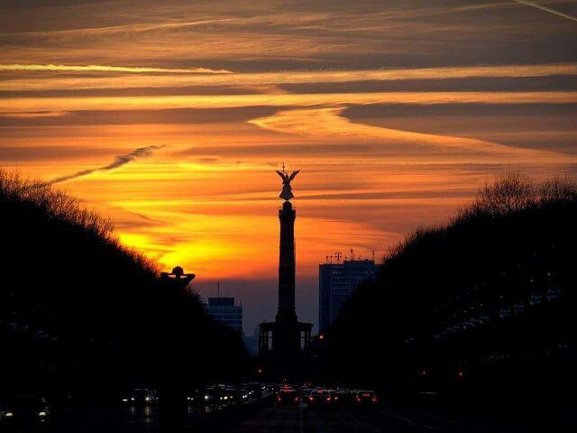Berlin Siegessaule Bei Sonnenuntergang Berlin Sunset Germany