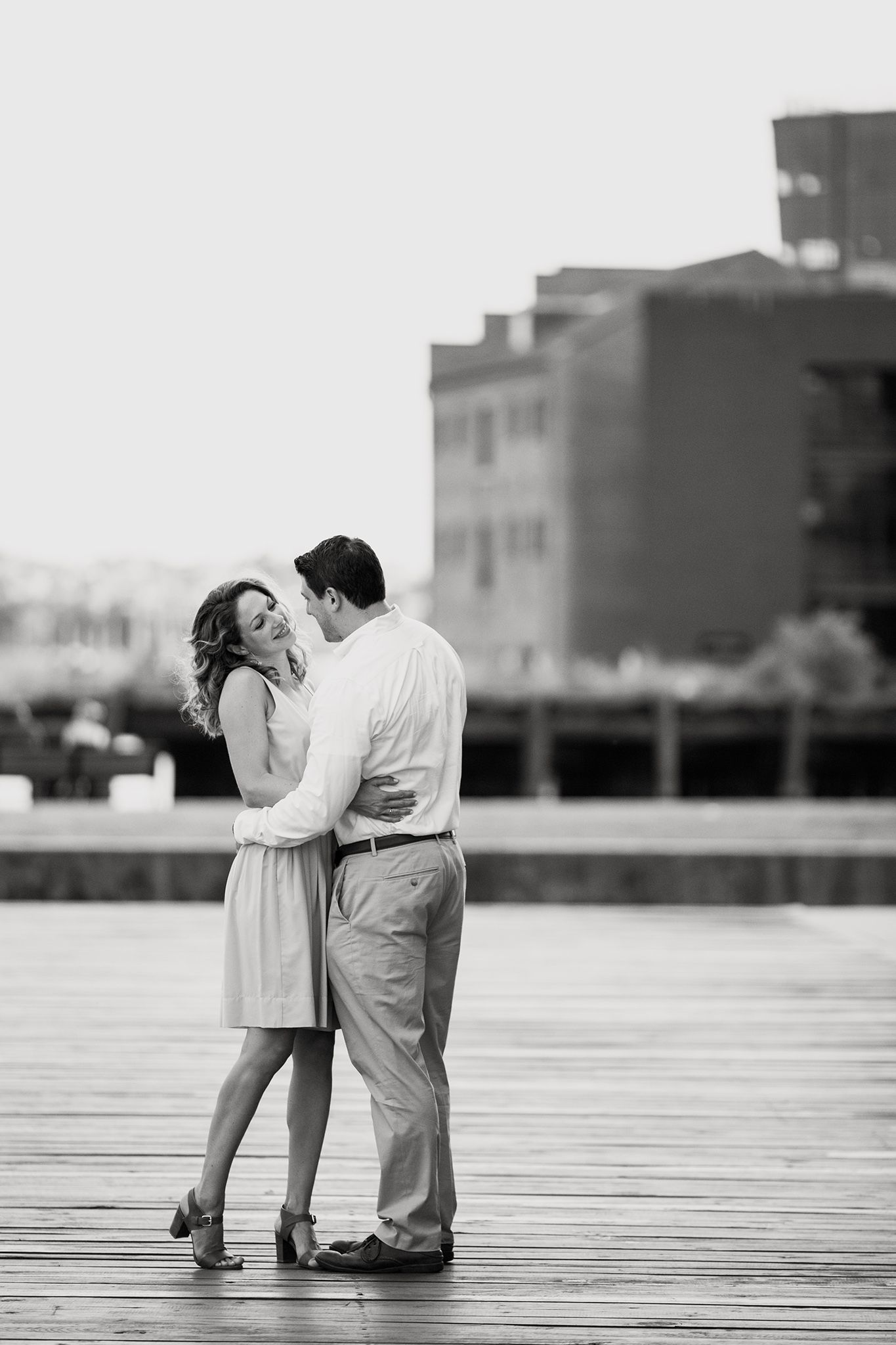 Photo by DOLA Photography {dolaphoto.com} | Black & white engagement photo -  Photo by DOLA Photography {dolaphoto.com} | Black & white engagement photo | Inner Harbor Baltimore - #Black #DOLA #dolaphotocom #Engagement #EngagementPhotosclassy #EngagementPhotosindian #EngagementPhotoswoods #formalEngagementPhotos #naturalEngagementPhotos #photo #Photography #plussizeEngagementPhotos #rusticEngagementPhotos #whattowearforEngagementPhotos #white