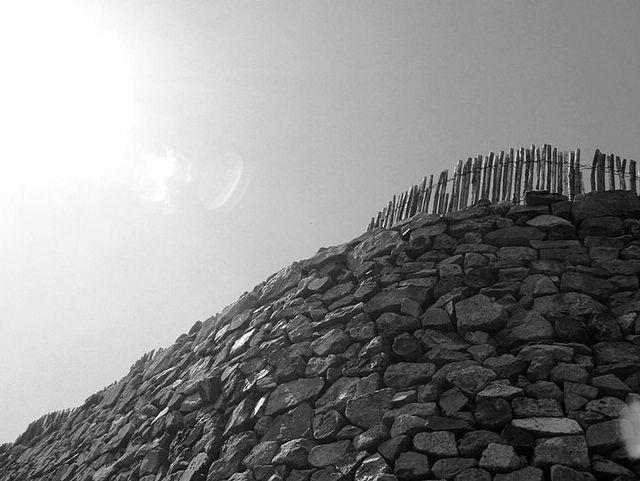 Bibracte : la Porte du Rebout, porte d'entrée dans le rempart gaulois
