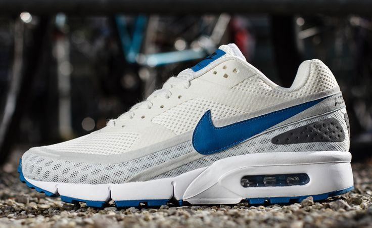 Sabueso hierro Existe  Nike Air Classic BW Ultra: White/Blue | Nike, Sneaker magazine, Sneakers