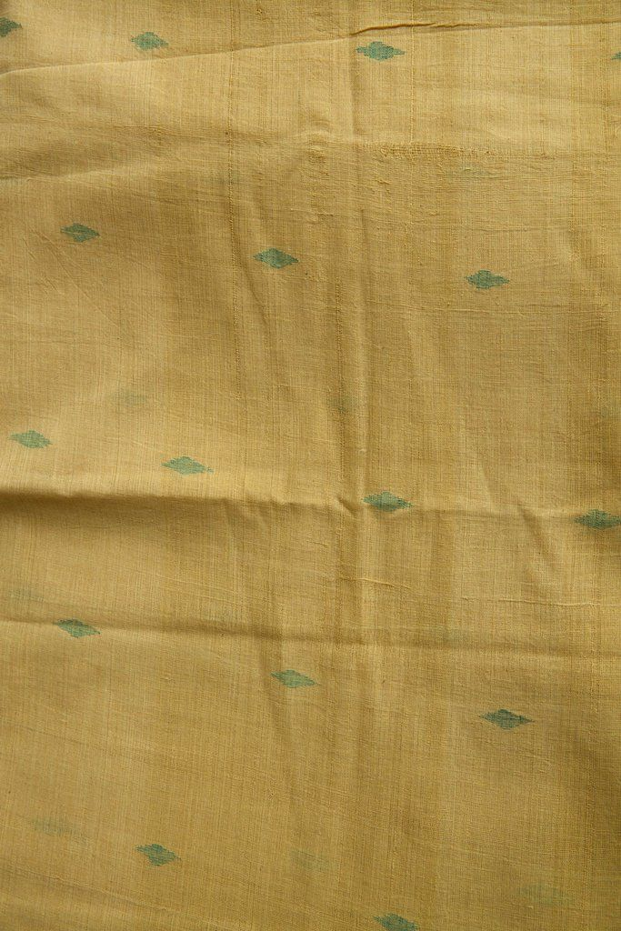 Jaamdani is a beautiful technique with a discontinuous extra weft. Originally done on a sheer fabric like muslin, this one is an adoption of same technique on K