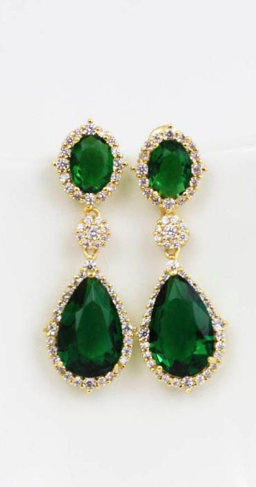 6de74b183209e Emerald diamond drops #emerald #sparkle #wedding Gold Emerald ...
