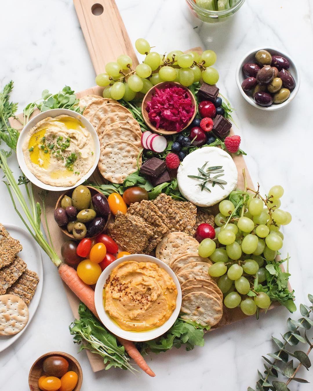 "Vegan Wedding Food: How To Create An Insta-Worthy Vegan ""Cheese"" Board"
