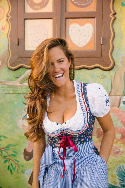 #Dirndl   German traditional dress, German beer girl