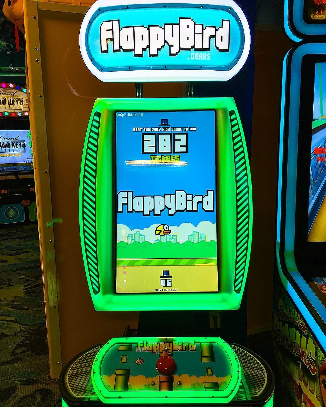 Interesting one by marioucche #arcade #microhobbit (o) http://ift.tt/1n6R3Eh need this in my life. I  #flappybird!  s #videogames #addicted #iphone