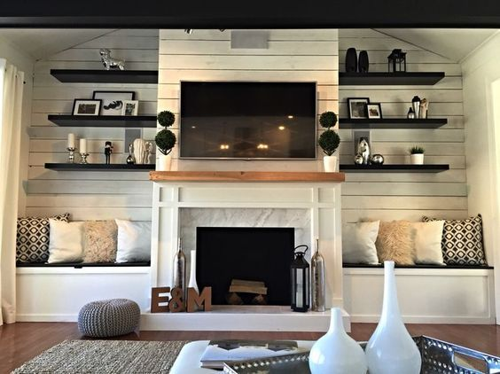 Farmhouse Touches This At One End Glass Wall At Another Two Different Backdrop Options In The Same Sp Fireplace Seating Fireplace Built Ins Home Fireplace