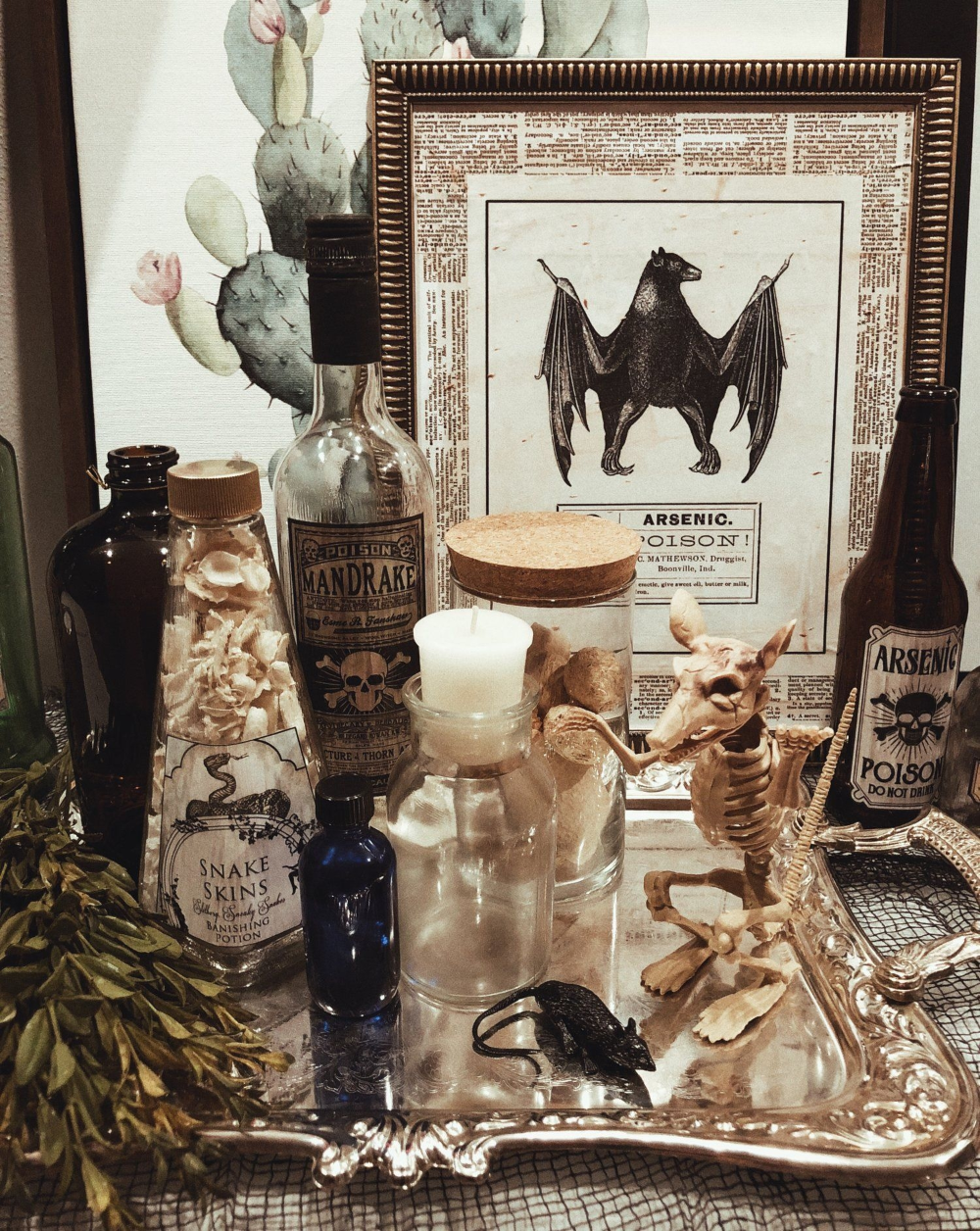Pin By Annie Martin On Hubby Loves Chic Halloween Elegant Halloween Decor Halloween House