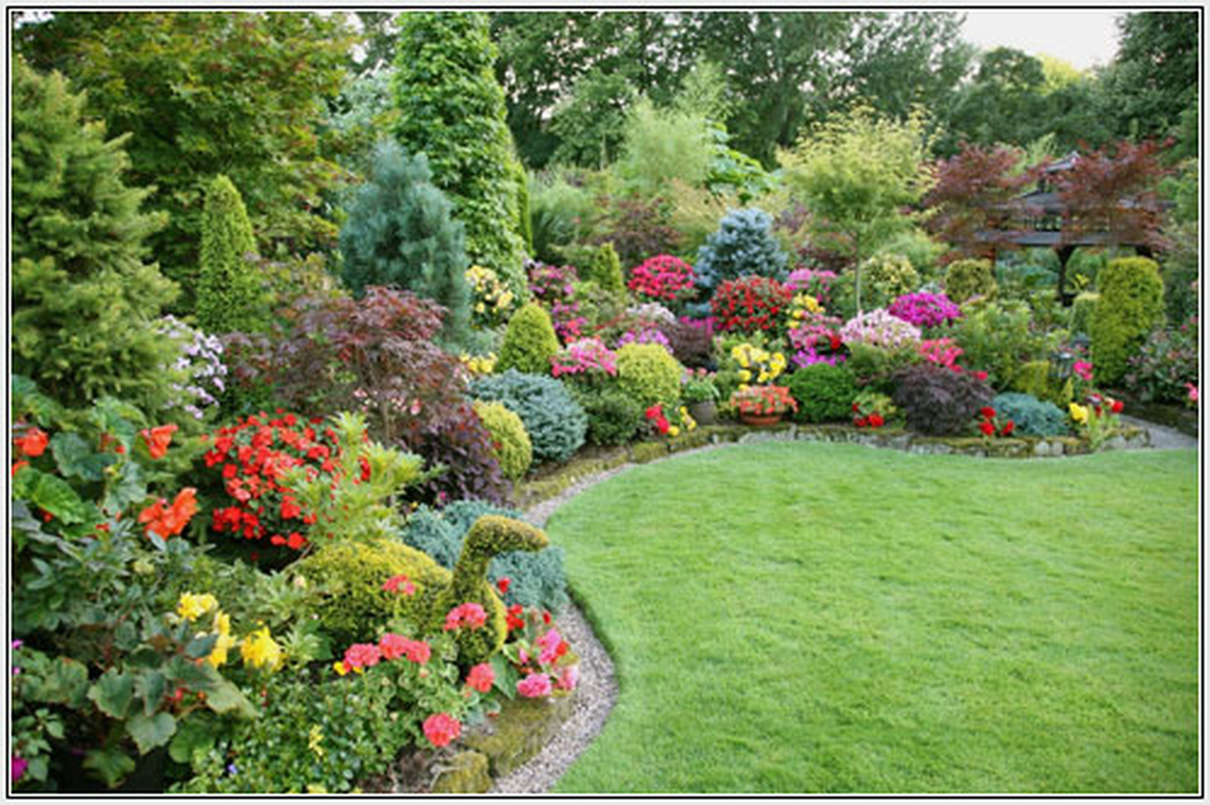 Front Yard Landscaping Ideas Showing Green Garden With Colorful Flower And  Green Plant Also Green Grass Yard. Inspiring Decoration Of Front Yard  Landscaping ...